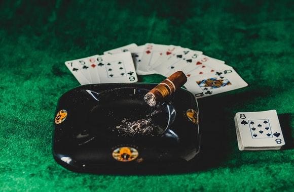 Giao tiep - Những kỹ năng mềm mà người chia bài casino cần có