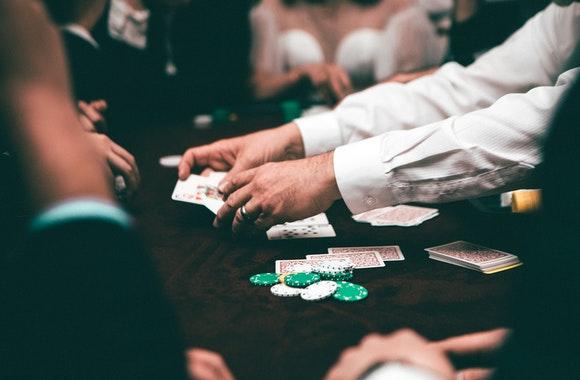 Ky nang toan hoc - Những kỹ năng mềm mà người chia bài casino cần có