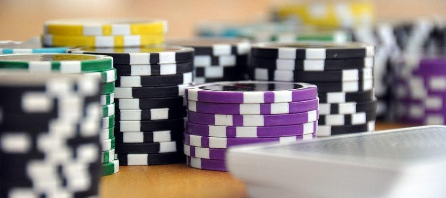 Nhung ky nang mem ma nguoi chia bai casino can co - Những kỹ năng mềm mà người chia bài casino cần có