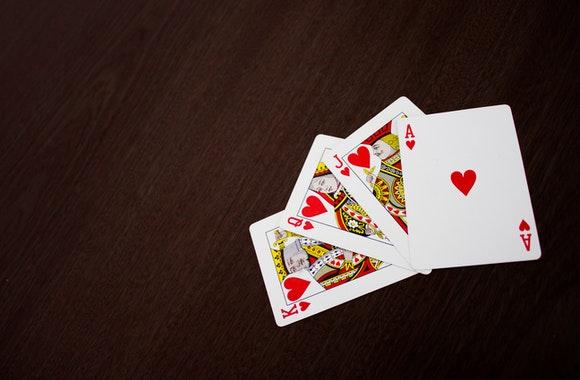 Nhung ky nang mem nguoi chia bai casino khong the thieu - Những kỹ năng mềm mà người chia bài casino cần có